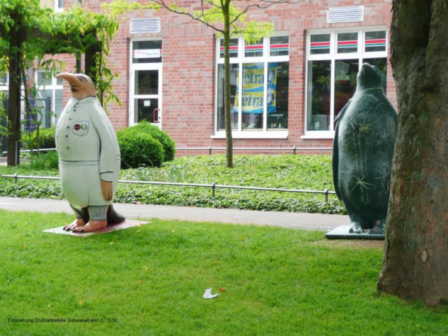 vitesca-pinguin-simon-schwebebahn-einweihung-stationsgarten